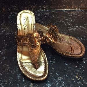 Marc Fisher Sz 6 Gold Sandals